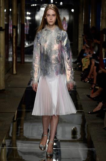 http://www.fashiontime.ru/upload/articles-v3/530f355d7b141w350h530cr.jpg