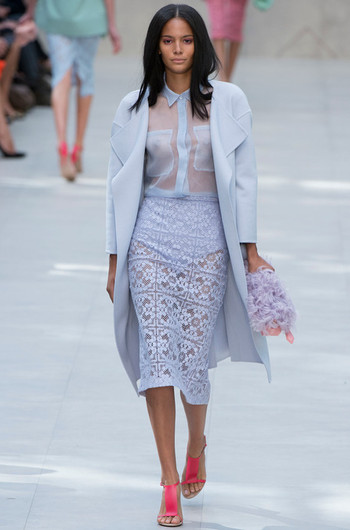 http://www.fashiontime.ru/upload/articles-v3/530f35f18bae4w350h530cr.jpg