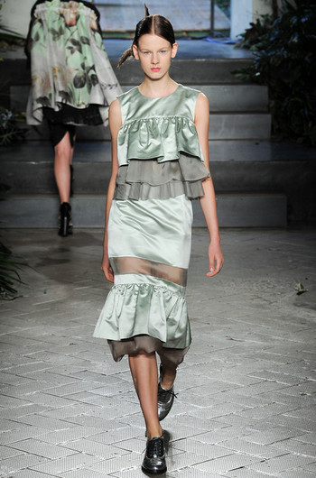 http://www.fashiontime.ru/upload/articles-v3/530f372db32d1w350h530cr.jpg