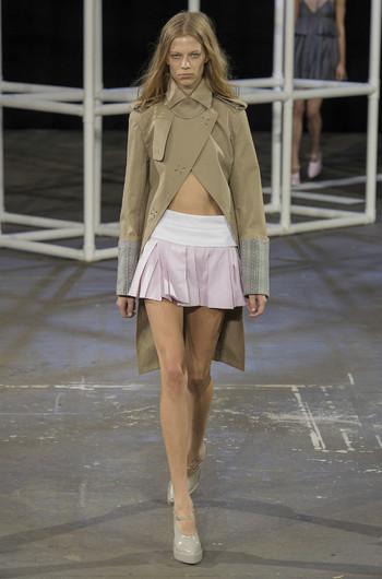 http://www.fashiontime.ru/upload/articles-v3/530f37ea4f7ecw350h530cr.jpg
