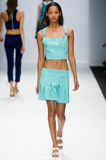 http://www.fashiontime.ru/upload/articles-v3/530f380613740w350h530cr.jpg