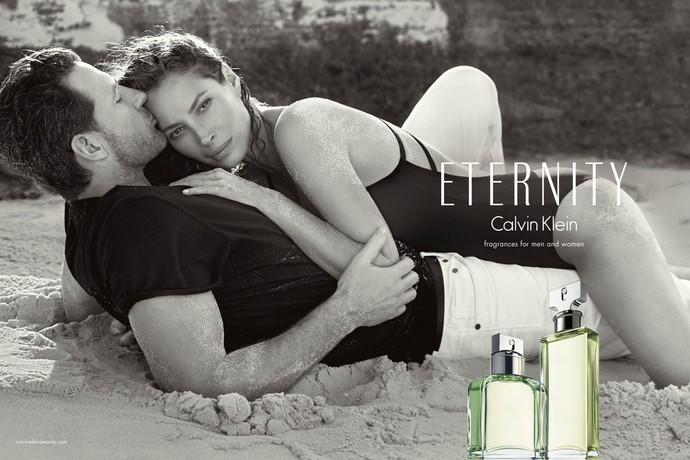 Кристи Тарлингтон стала лицом ароматов Eternity и Eternity Night от Calvin Klein