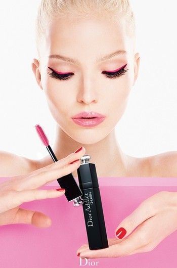 Саша Лусс в рекламе туши Dior Addict It-Lash