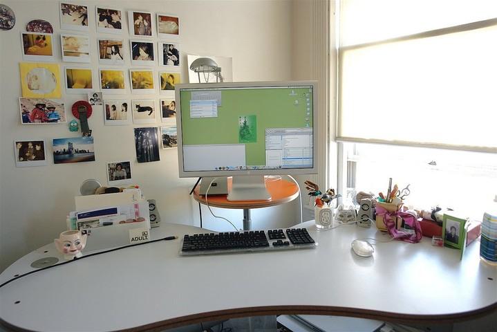 как украсить рабочее место в офисе