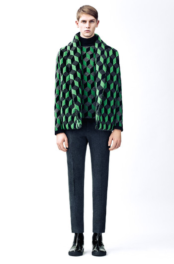 http://www.fashiontime.ru/upload/articles-v3/54b8c3f744428w350h530cr.jpg