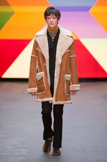 http://www.fashiontime.ru/upload/articles-v3/54b8c48636623w350h530cr.jpg