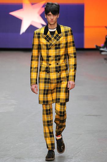http://www.fashiontime.ru/upload/articles-v3/54b8c486d5f23w350h530cr.jpg