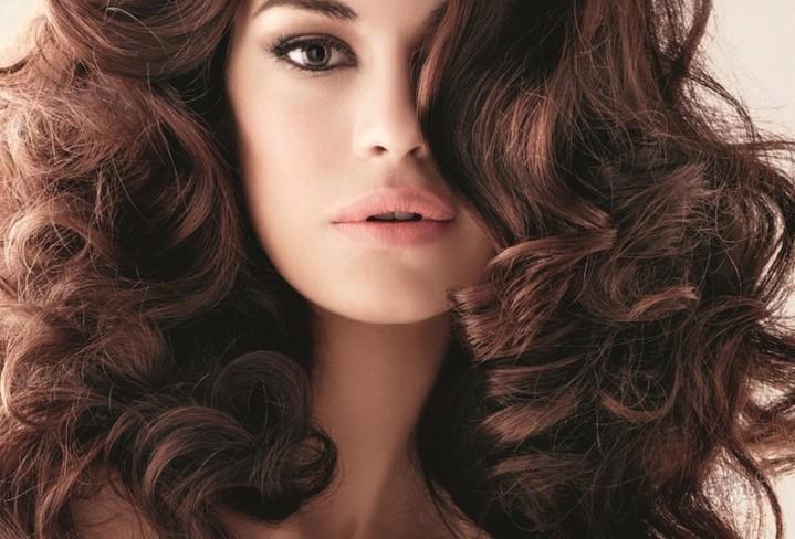 Идеальные кудри надолго: 5 советов для всех типов волос