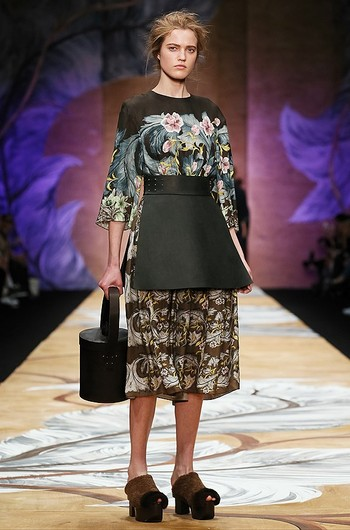 Неделя моды Mercedes-Benz Fashion Week Russia, дизайнер Alena Akhmadullina