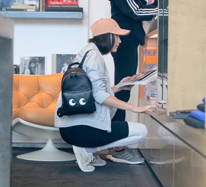 Белла Хадид в топе без бюстгальтера: фото
