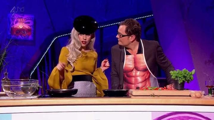 Леди Гага выпустит кулинарную книгу совместно со своим отцом