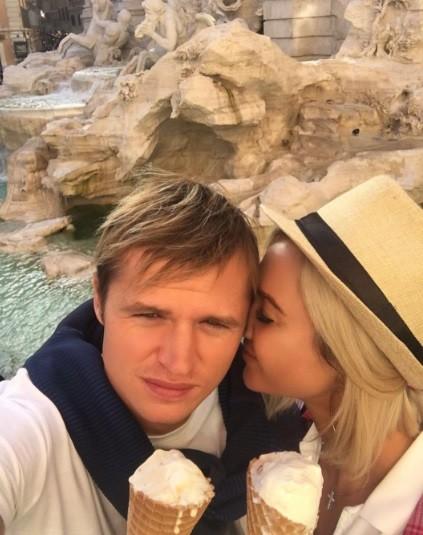 Ольга Бузова попросила красавиц изПетербурга неуводить изсемей мужей