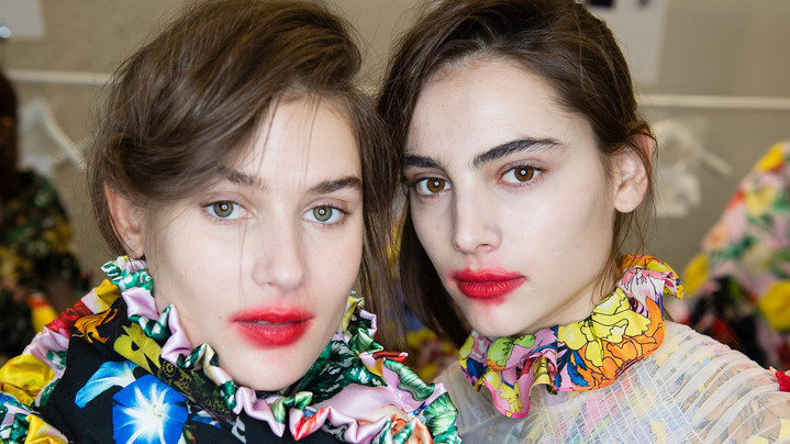 1. Lollipops Lips или эффект размазанных губ (#lollipopslips)