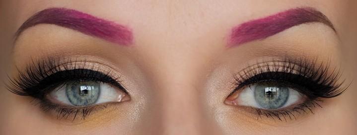 8. Цветные брови (#colouredbrows)