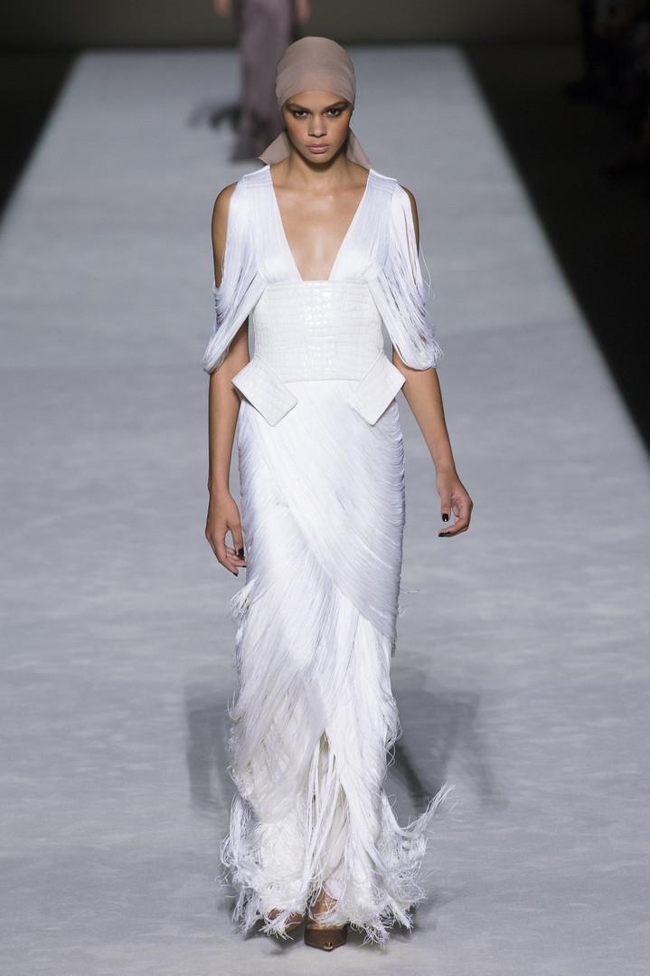 10 самых красивых платьев белого цвета на Неделе моды в Нью-Йорке
