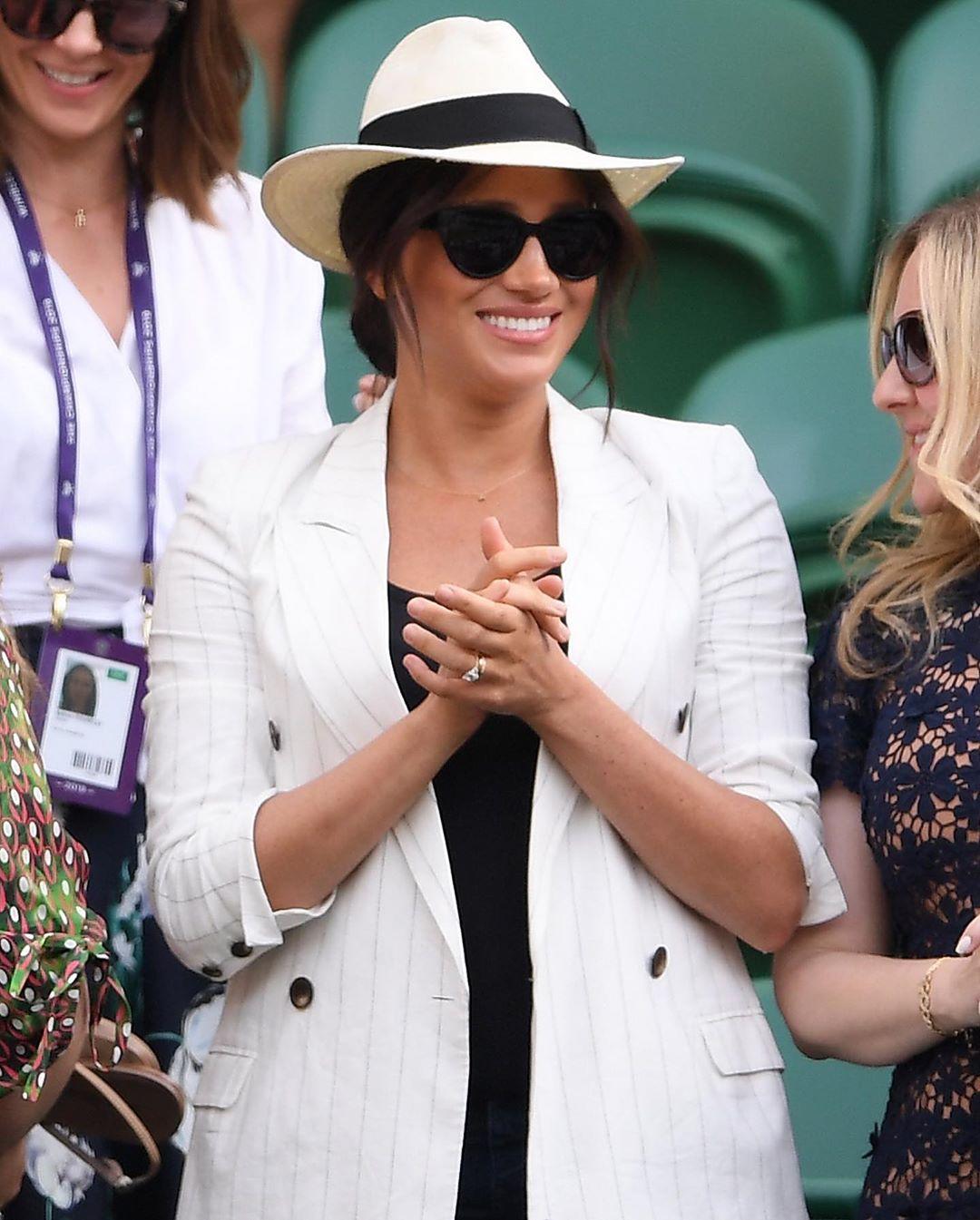 Фото: Меган Маркл в пиджаке L'Agence посетила Wimbledon