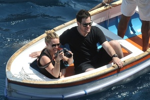 ������ ���� (Hilary Duff) � ���� ����� (Mike Comrie)