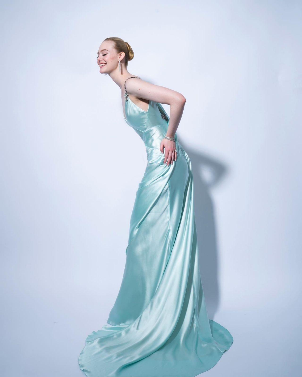 Звезда сериала «Великая», Эль Фаннинг, появилась на кинопремии «Золотой глобус» в летящем платье Gucci