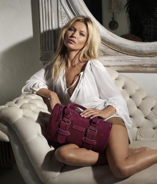 Кейт также создала несколько уменьшенную версию сумки, чтобы дать поклонницам бренда Longchamp больше разнообразия.