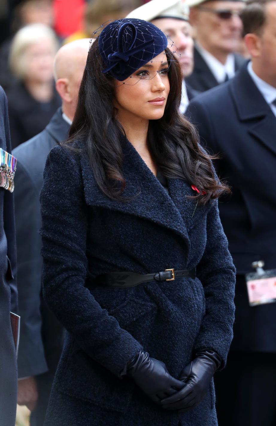 Фото: Плюшевое пальто, как у Меган Маркл — обязательная покупка для поздней осени