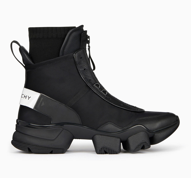 Фото: Клэр Уэйт Келлер создала первые кроссовки для Givenchy