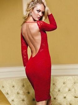 Женщинам идет красное платье