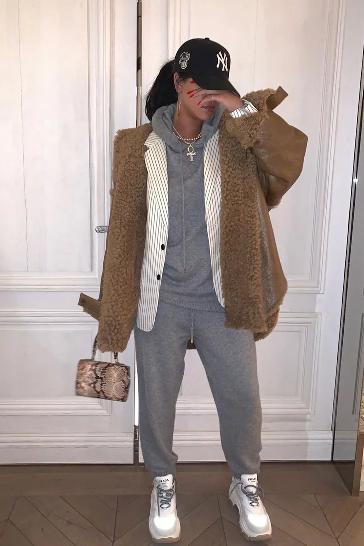 Фото: Дубленка карамельного цвета как у Рианны – лучшая инвестиция в зимний гардероб