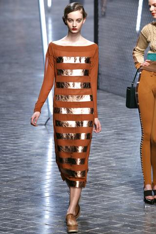 2012 год. платье.  Высказались. комфортно.