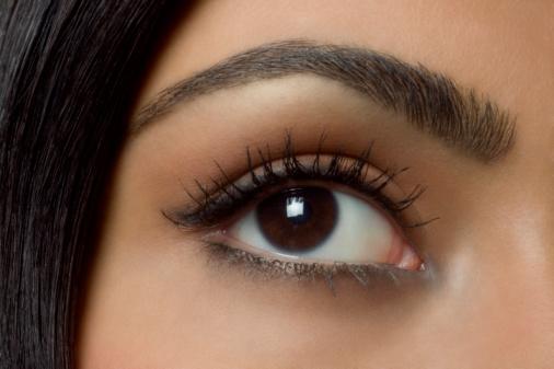 Красивая и правильно подобранная форма бровей придаст взгляду выразительность и яркость.