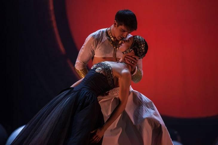 Фото: Пластическую драму «Калигула» покажут в Губернском театре