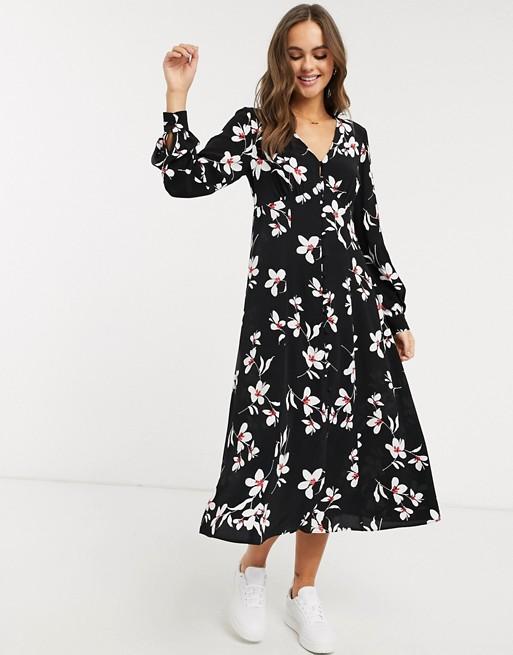Весеннее настроение: 6 универсальных платьев с цветочным принтом