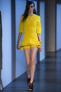 Показ Mugler на Paris Fashion Week Фото