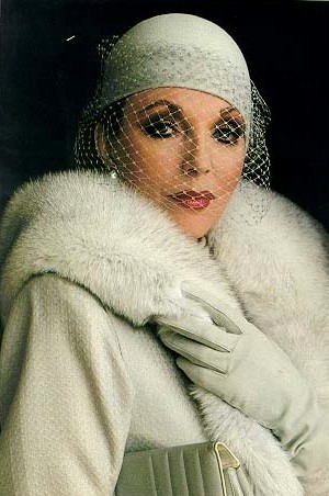 http://www.fashiontime.ru/upload/iblock/406/767132j33137aJoan_Collins_993587w600h600.jpg