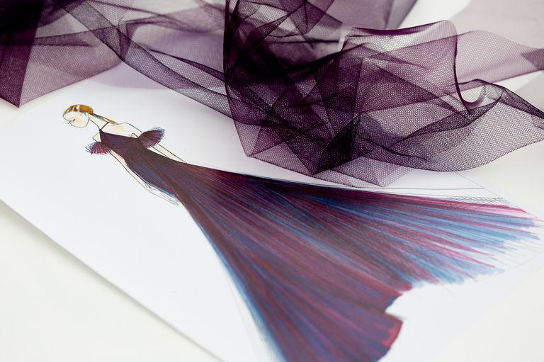 Фото: Как создавалось платье Dior Эмилии Кларк для Каннского кинофестиваля