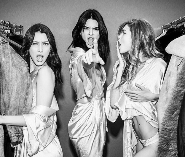 Подготовка кшоу Victoria's Secret 2016 встолице франции