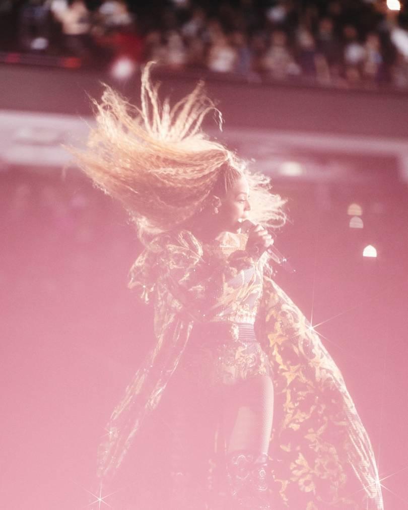 Фото: Новый костюм Бейонсе покорил всех