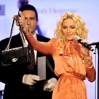 Мадонна и 2.55, chanel.  Звезды и питоны.