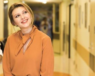 Фото: Первая леди Украины показала, как стильно носить простой свитер