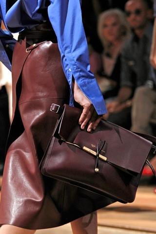 Еще одно направление - кожаные сумки с жестким дном и мягким верхом...