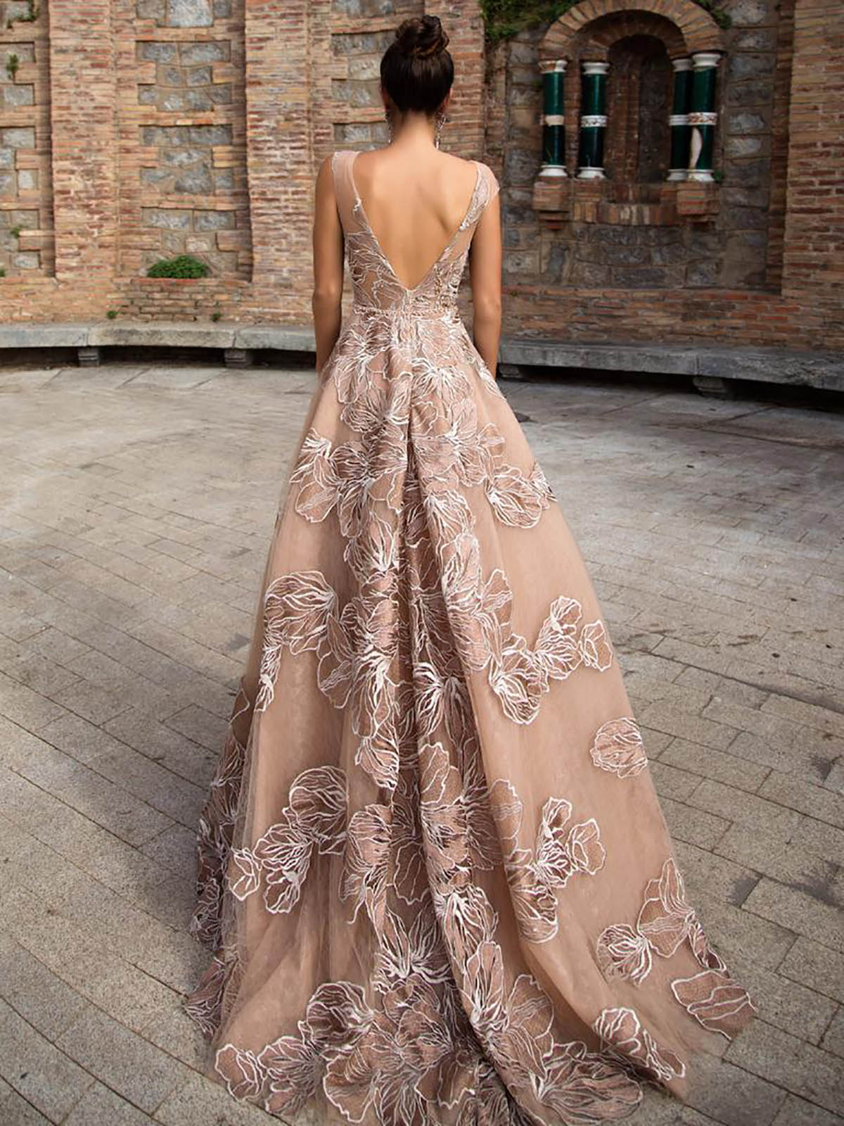 Фото: Длинные вечерние платья: как выбрать идеальное