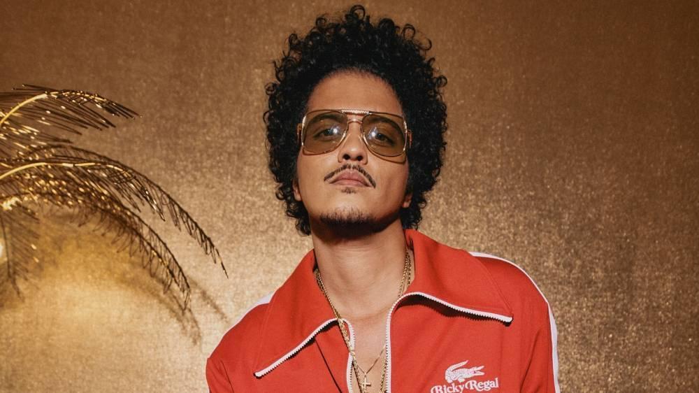 Lacoste выпустили совместную коллекцию с певцом Bruno Mars
