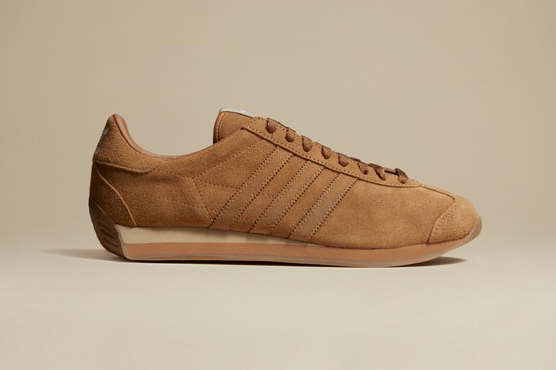 Фото: Khaite и adidas выпустили кроссовки в честь Кэти Холмс