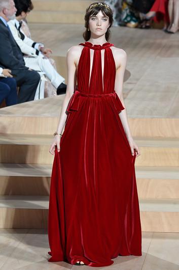 761429ddca1 Неделя высокой моды в Париже  Valentino