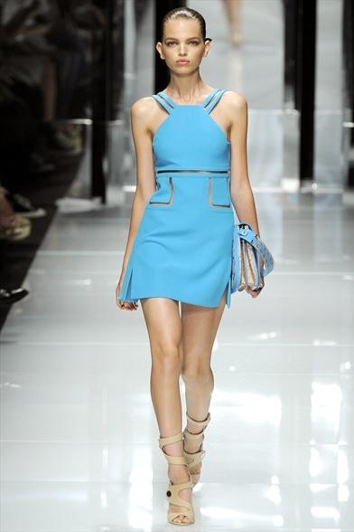 Versace Spring/Summer 2011 на Миланской неделе моды Фото
