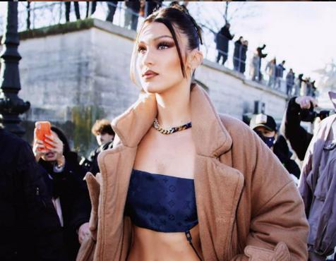 Фото: Лучшие выходы Беллы Хадид на этой неделе в Париже