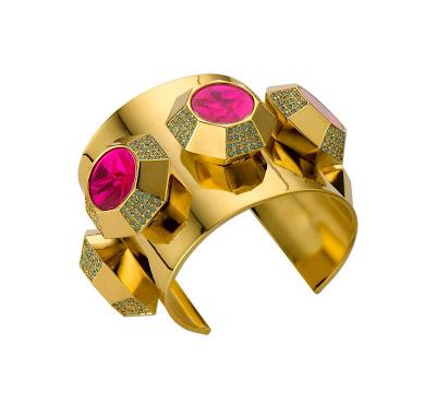 ...звонкие монисты, массивные колоритные накладные воротнички, украшенные бисером и стеклярусом, эклектичное колье из...