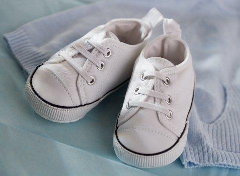 Белые кроссовки: новое о привычном: Фото 1.