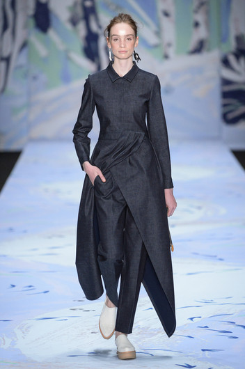 Alena Akhmadullina, осень-зима 2015/16: Mercedes-Benz Fashion Week Russia