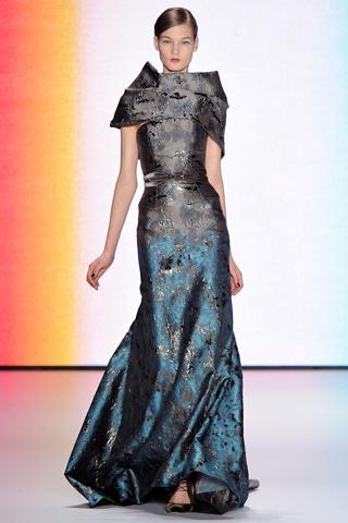 вечерние платья Carolina Herrera.