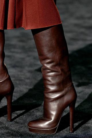 Женская зимняя обувь 2 15: обувь с широким голенищем
